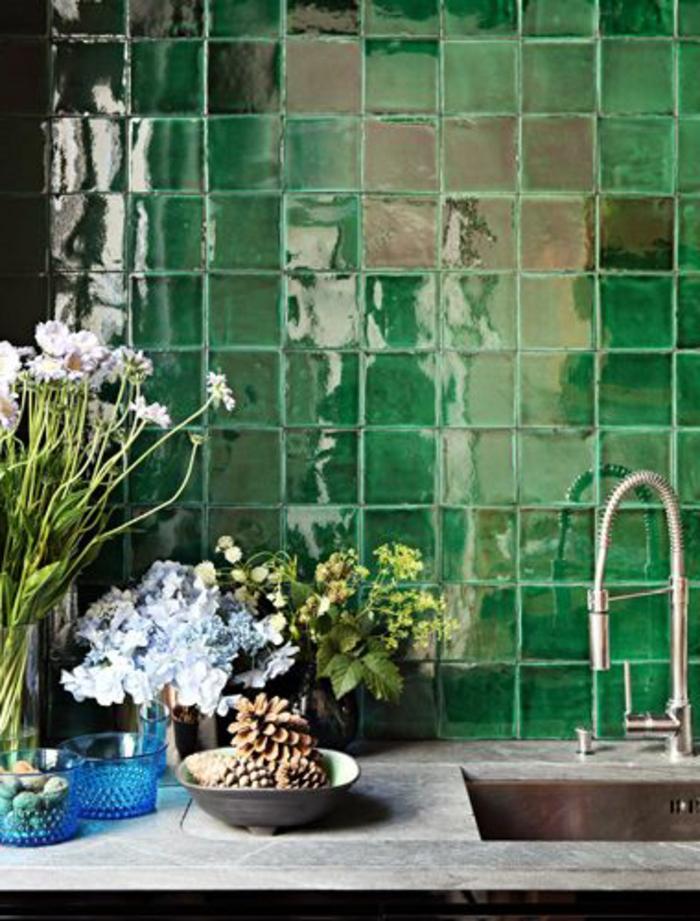 Stunning carrelage retro vert gallery for Carrelage mural metro