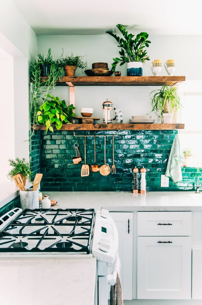 44-jolie-cuisine-de-couleur-vert-pour-le-carelage-vert-dans-la-cuisine-moderne-avec-carrelage-mural