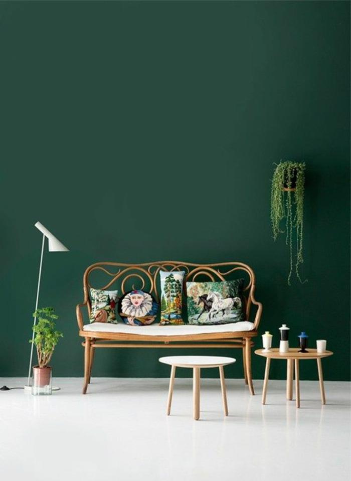 44-symbolique-des-couleurs-un-joli-salon-avec-murs-verts-meubles-de-salon-modernes