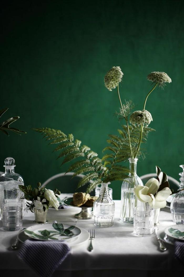 44-symbolique-des-couleurs-vertes-jolie-salle-de-sejour-avec-murs-verts-et-decoration-de-la-table