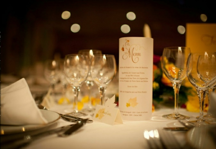 Bougie-décoration-photophore-mariage-blanc-bougie-menu-photophore-déco-table