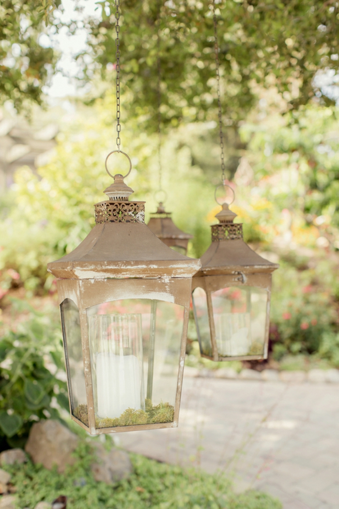 Bougies-décoration-photophore-mariage-jardin-vert-lanterne-rétro