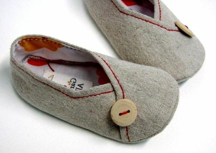 Chaussures-pour-chez-soi-pantoufles-enfants-idée-porter