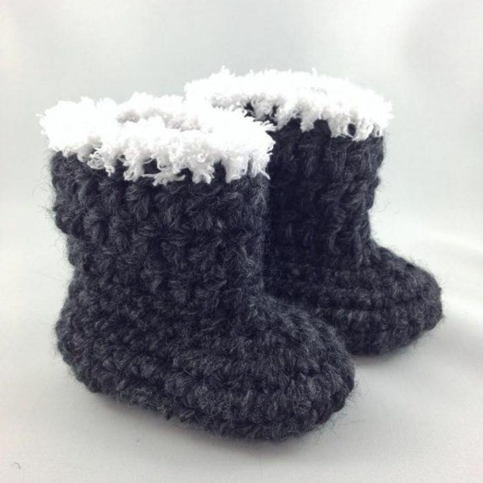 Chaussures-pour-chez-soi-pantoufles-enfants-pieds-chaleur