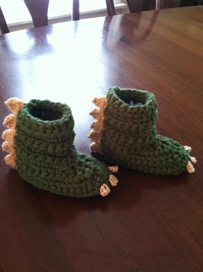 Chaussures-pour-chez-soi-pantoufles-enfants-vert-crocodile