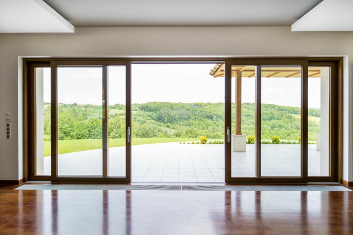 Galandage-salle-de-séjour-vaste-moderne-belle-maison-baie-collinissante