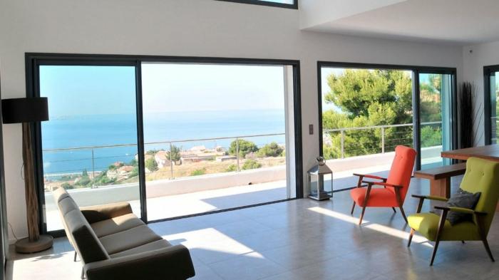 Galandage-salle-de-séjour-vaste-moderne-belle-maison-grande-fenetre-français-à-quoi-cela-ressamble