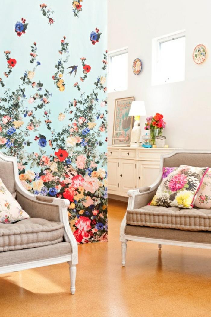 Idée-déco-mural-papiers-peints-design-belle-mur-bleu-et-fleurs