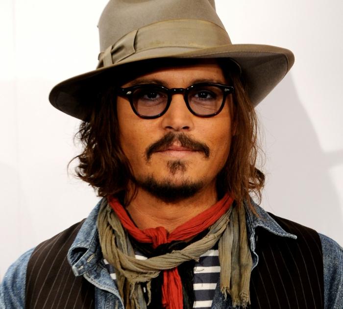 Idée-hipster-lunettes-look-hipster-original-johnny-depp