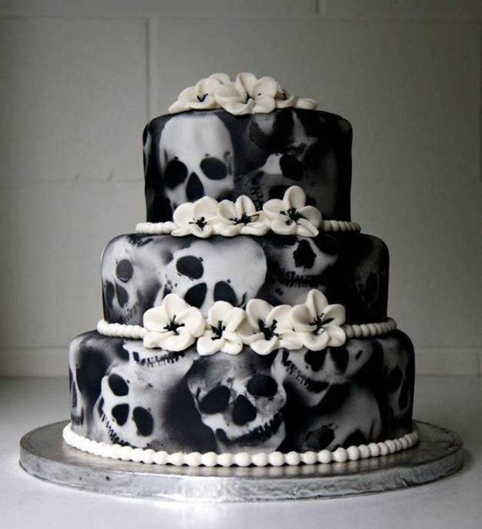 Idées-déco-citrouille-Halloween-décoration-gâtea-noir-et-blanc-squellet