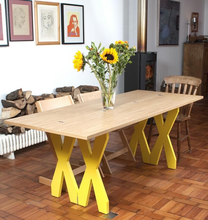 La-table-pliante-cuisine-table-pliante-pour-cuisine-couleurs-fleurs-soleil