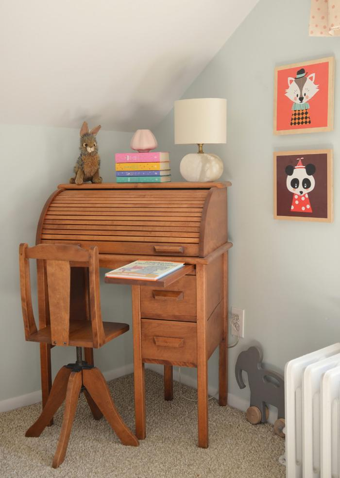 bureau-secrétaire-original-dans-la-chambre-d'enfant