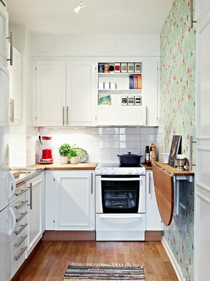 Salle-à-manger-et-cuisine-aménagement-table-cuisine-pliante-cuisine-blanche