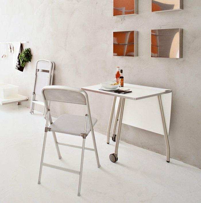 Salle-à-manger-et-cuisine-aménagement-table-cuisine-pliante-sympathique