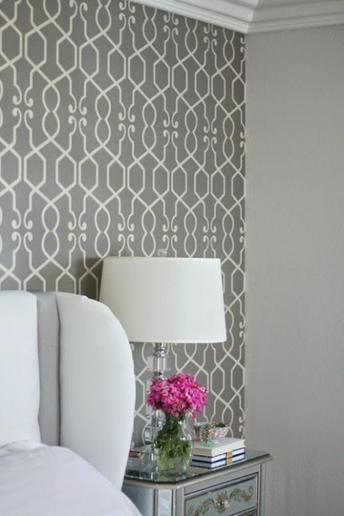 Salle-de-séjour-papier-peint-design-contemporain-vase-fleurs
