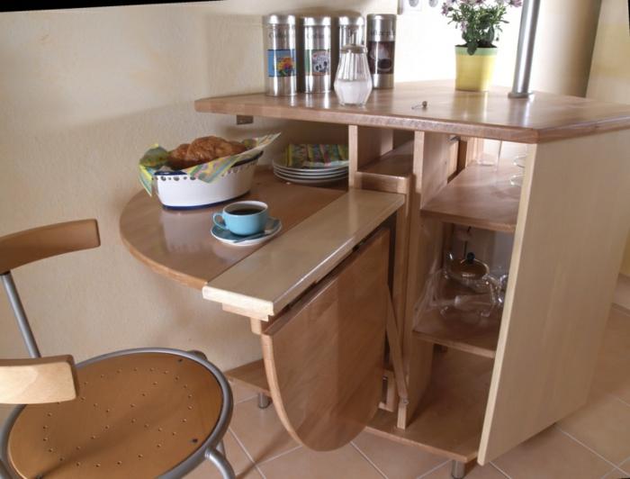 La table de cuisine pliante 50 id es pour sauver d - Table de cuisine escamotable ...