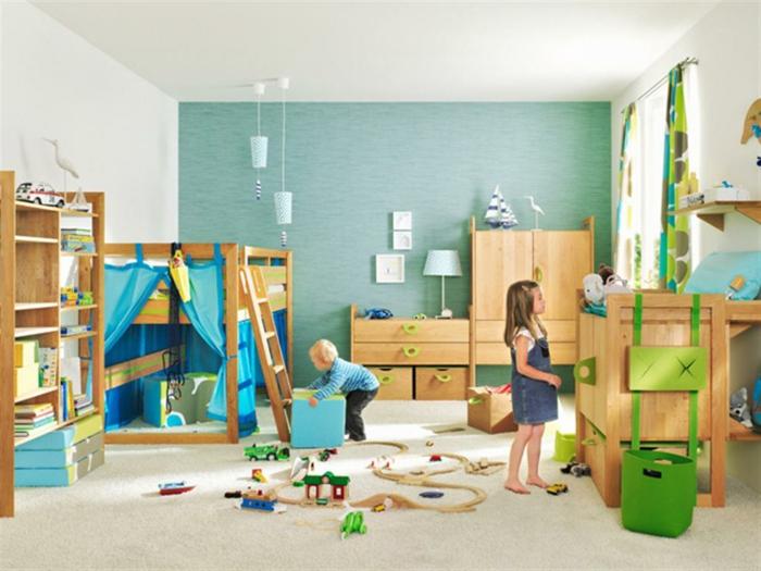 aménagement-chambre-enfant-rangement-jouet-bleu-et-jaune