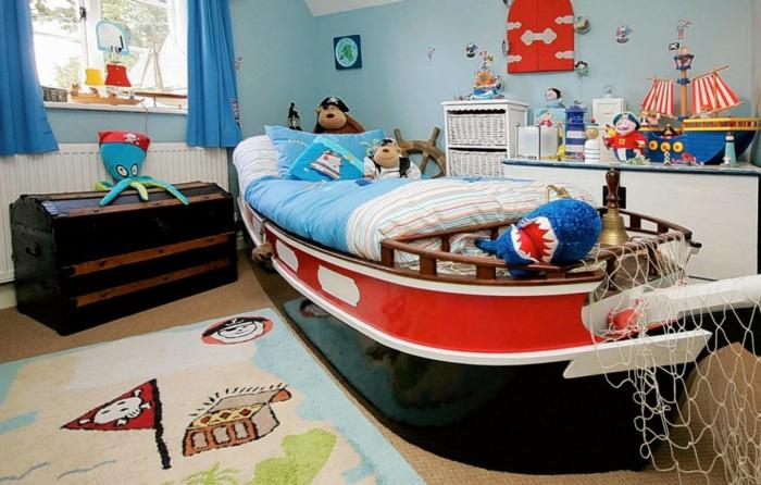 aménagement-chambre-enfant-rangement-jouet-chambre-bâteau