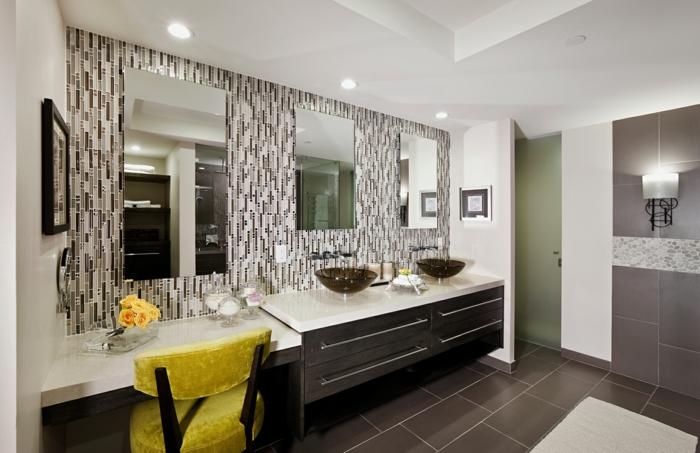 aménager-une-salle-de-bain-meuble-sous-lavabo-fauteuil-jaune