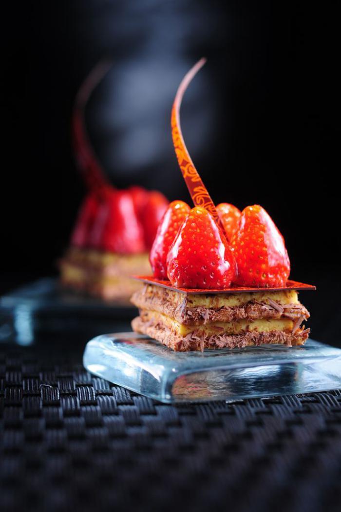assiette-gastronomique-tarte-joliment-présentéee