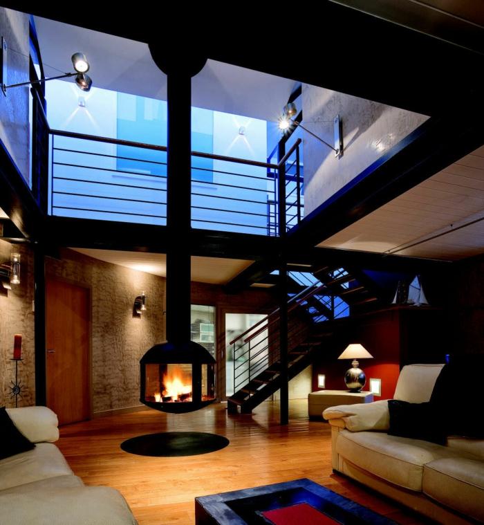 avantages-de-la-cheminée-centrale-à-foyer-fermé-belle-salon-vaste