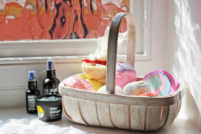 bain-moussant-produit-lush-cosmétique-bain-aménagement