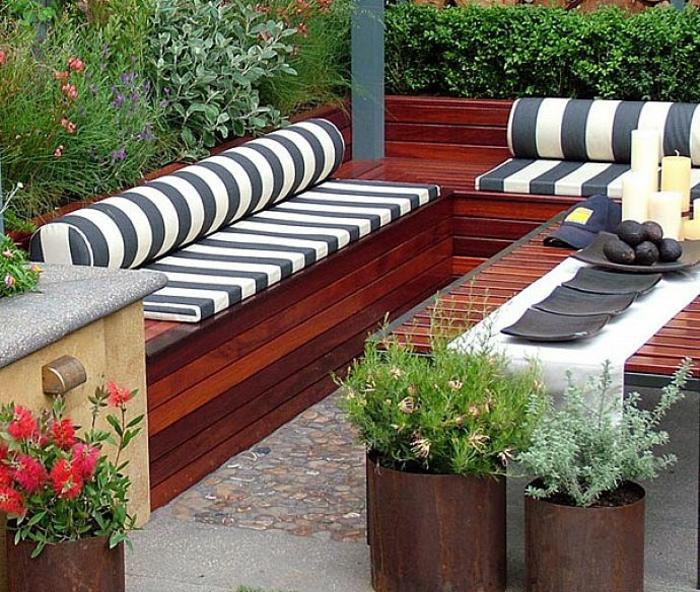 banc-coffre-bois-idées-extérieur-aménagement-veranda-aménagement