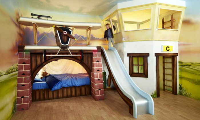 belle-idée-déco-chambre-bébé-tableau-meuble-lit-oreiller-bébé