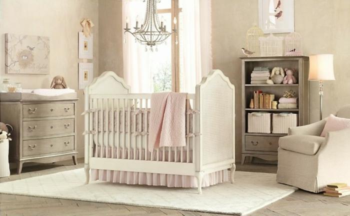 belle-idée-déco-chambre-bébé-tableau-meuble-lit-oreiller-réaliser