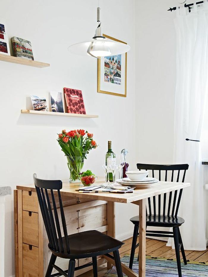belle-table-de-cuisine-pliante-but-table-ronde-extensible-vase-avec-fleurs