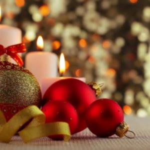 La bougie de Noël - un joli moyen pour décorer la maison