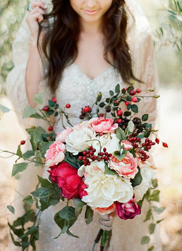 bouquet-mariée-original-bouquet-mariée-rond-bouquet-champetre-pour-un-joli-mariag