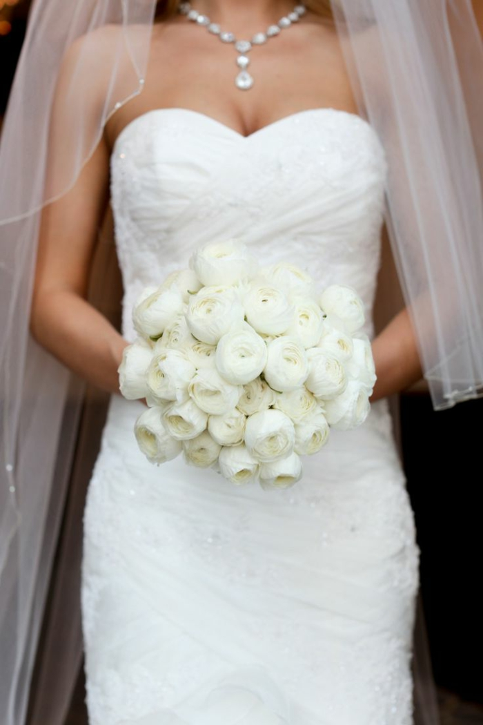 Pourquoi opter pour un bouquet de mari e rond - Bouquet pivoine mariage ...