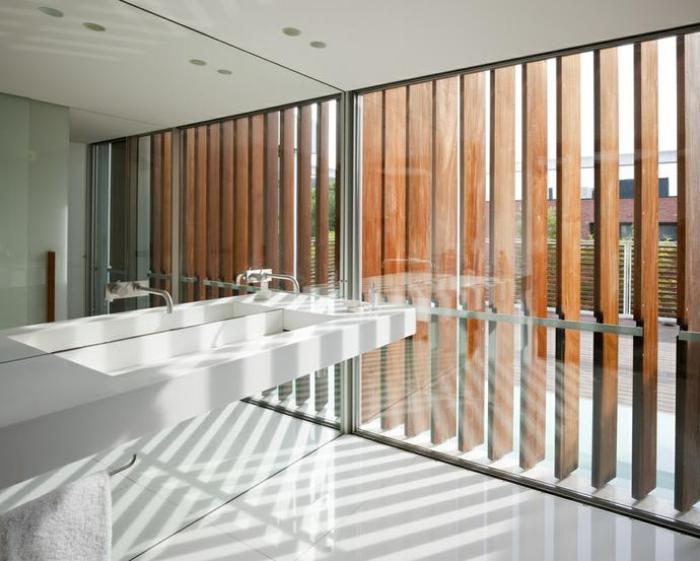 brise-soleil-façade-inventive-avec-pare-soleil-en-bois