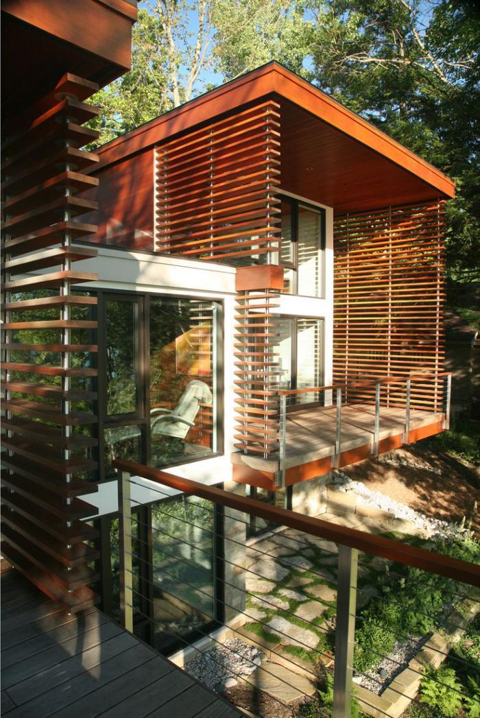 brise-soleil-maison-modulaire-avec-lattes-en-bois