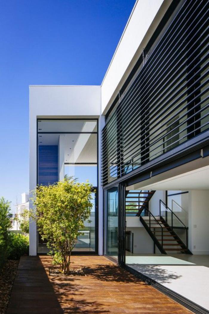 brise-soleil-orientable-solutions-modernes-de-protection-solaire