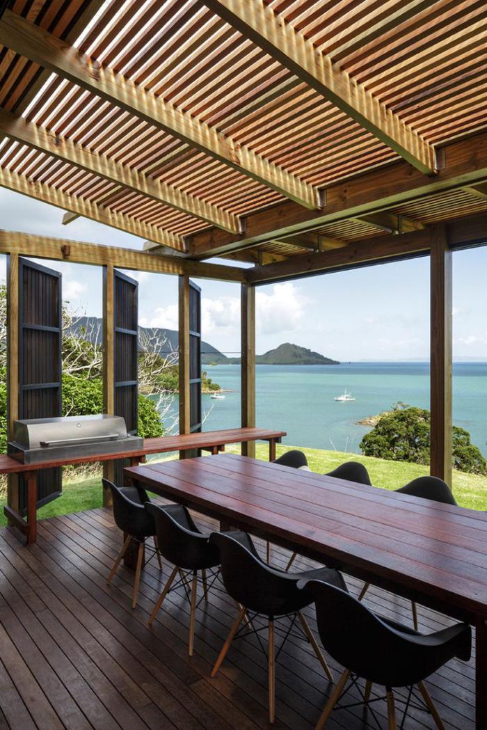 brise-soleil-table-de-déjeuner-extérieure-toiture-brise-soleil
