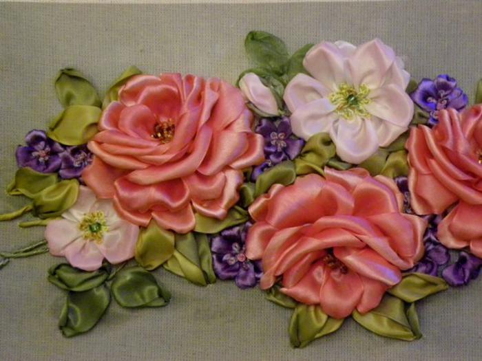 crochet et broderie au ruban added 11 new photos to the album: ribbon rose bella.