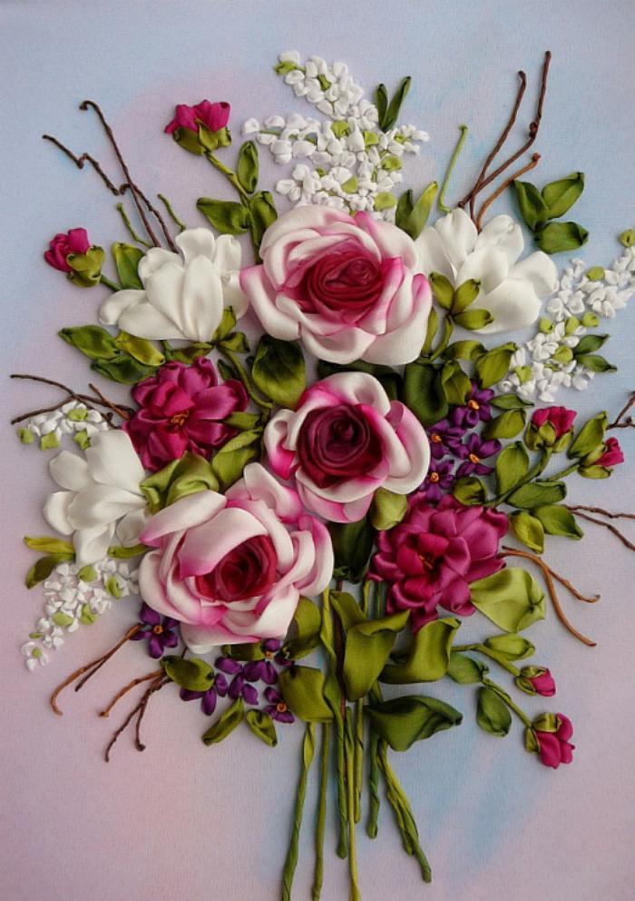 broderie-au-ruban-bouquet-de-roses-splendides