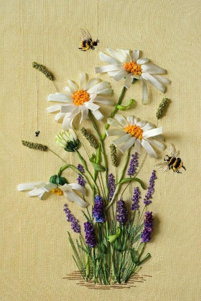 broderie-au-ruban-fleurs-de-prairie-et-abeilles