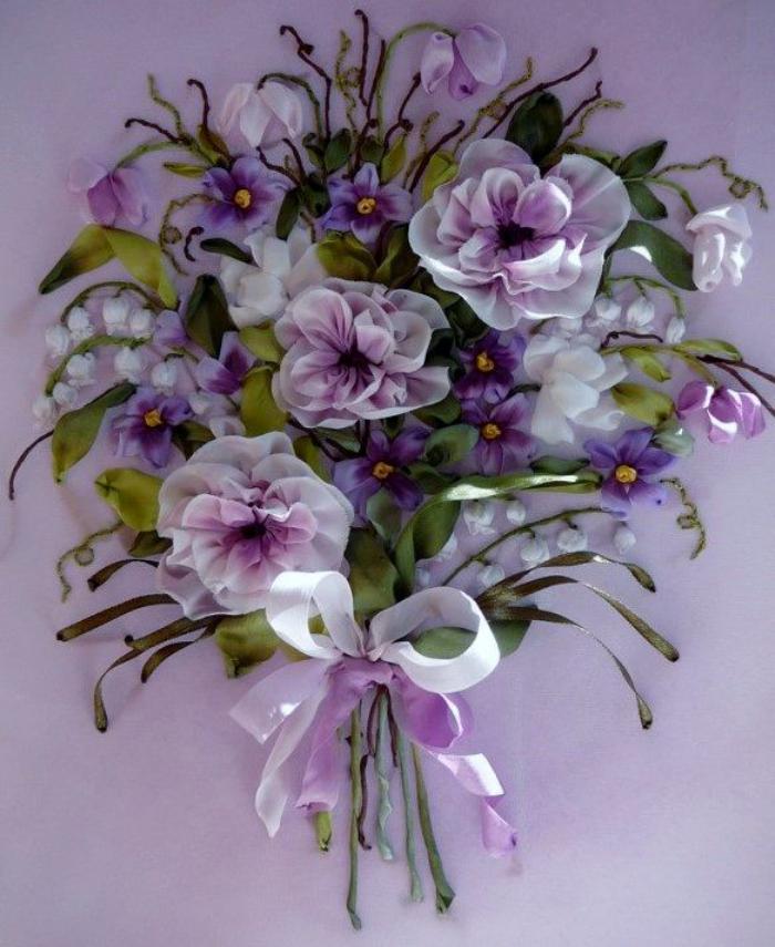 broderie-au-ruban-fleurs-douces-brodées