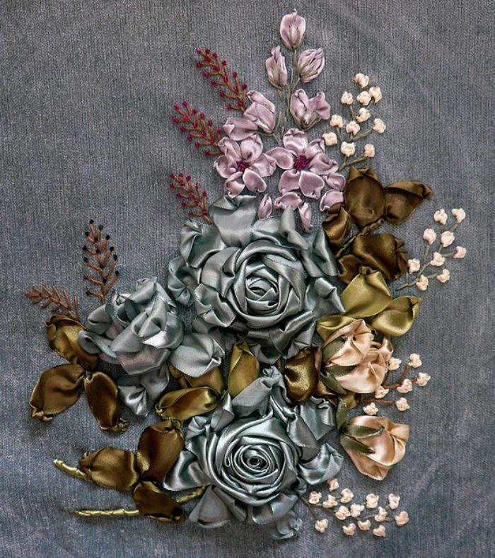 broderie-au-ruban-jolies-fleurs-brodées-en-soie