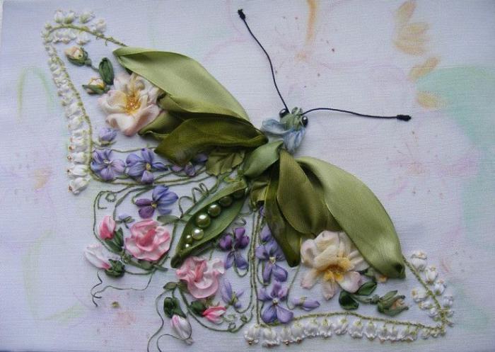 broderie-au-ruban-papillon-et-fleurs