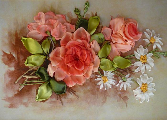 broderie-au-ruban-roses-et-marguerittes