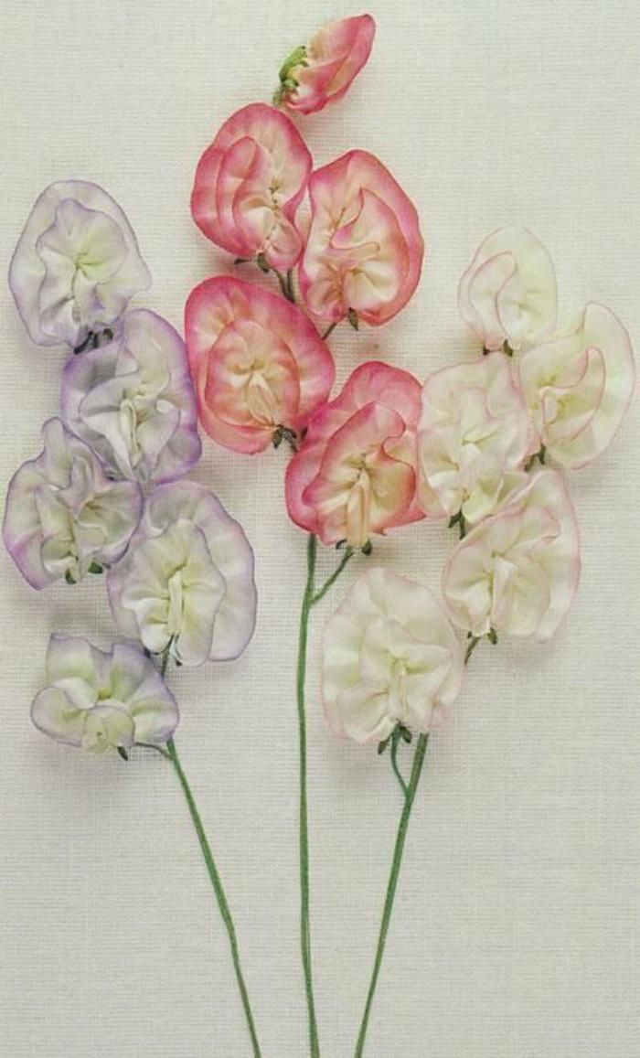 broderie-au-ruban-trois-brins-d'orchidées