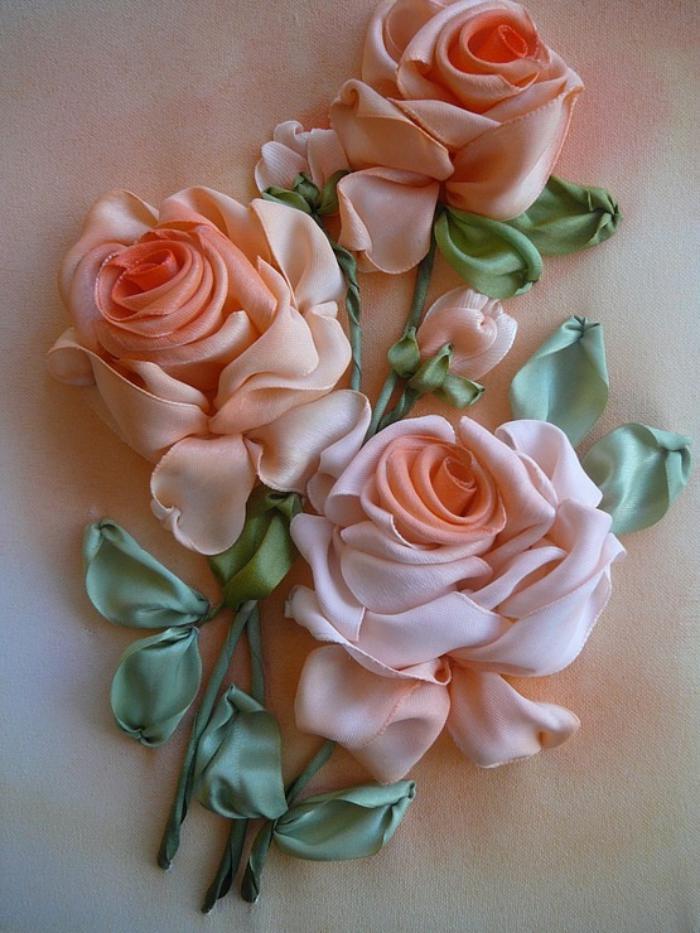 broderie-au-ruban-trois-roses-brodées
