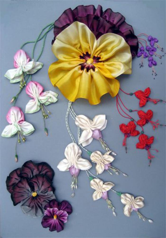 broderie-au-ruban-violettes-douces-brodées
