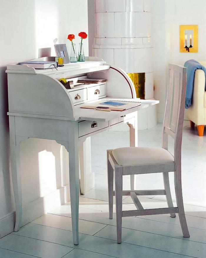 bureau-secrétaire-blanc-et-chaise-blanche