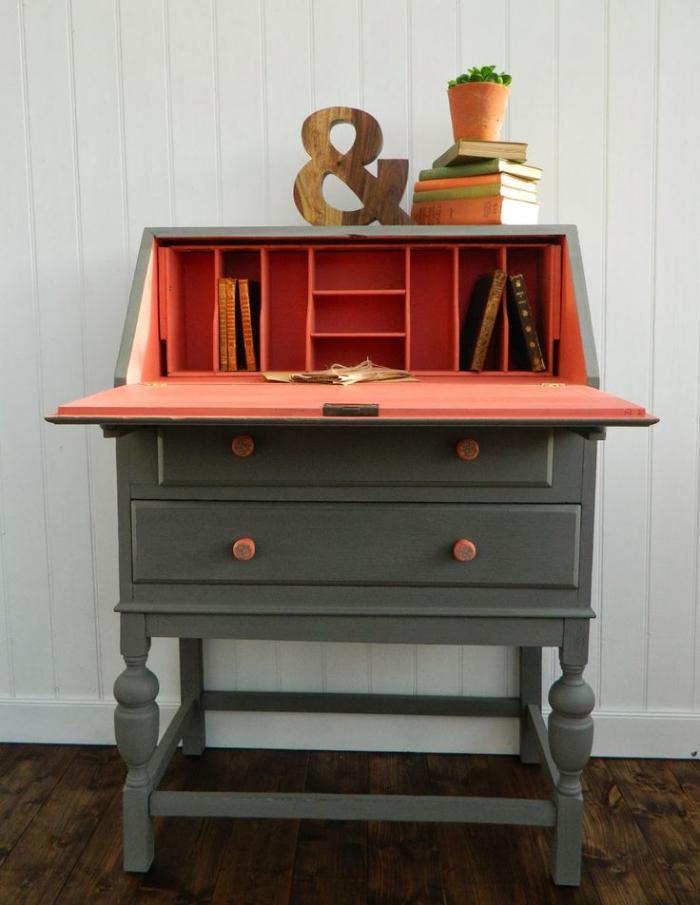 bureau-secrétaire-rénové-partie-peinte-orange