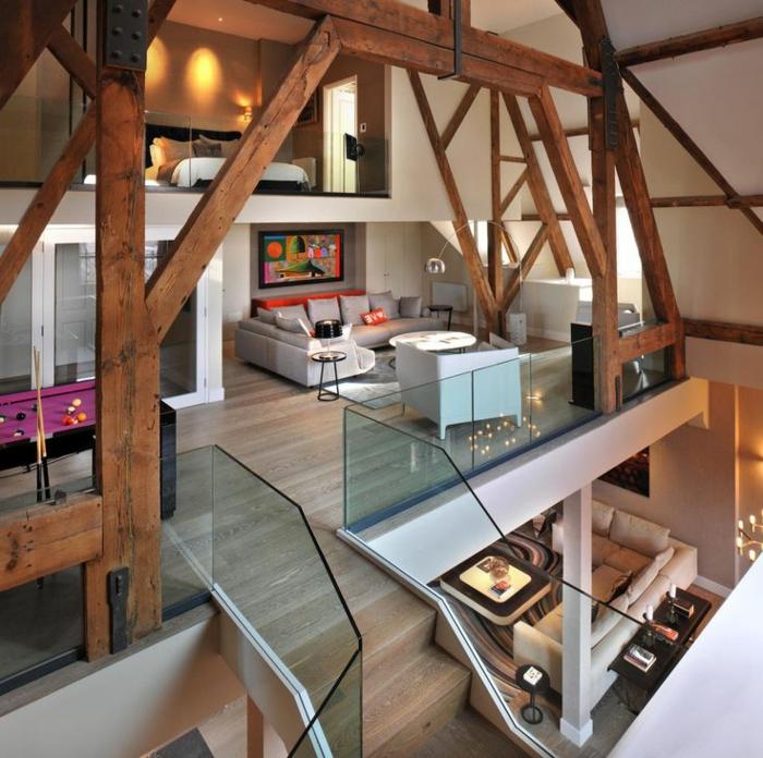 calcul-escalier-droit-en-bois-clair-et-verre-pour-un-appartement-d-esprit-loft